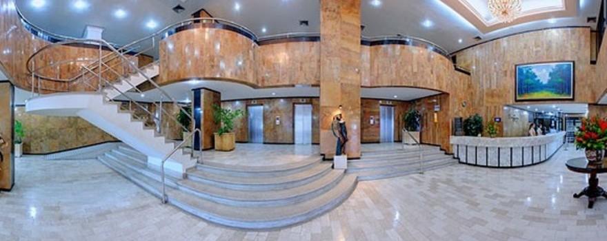 Recepción y lobby.  Fuente: hotelcartagenaplaza.com.co